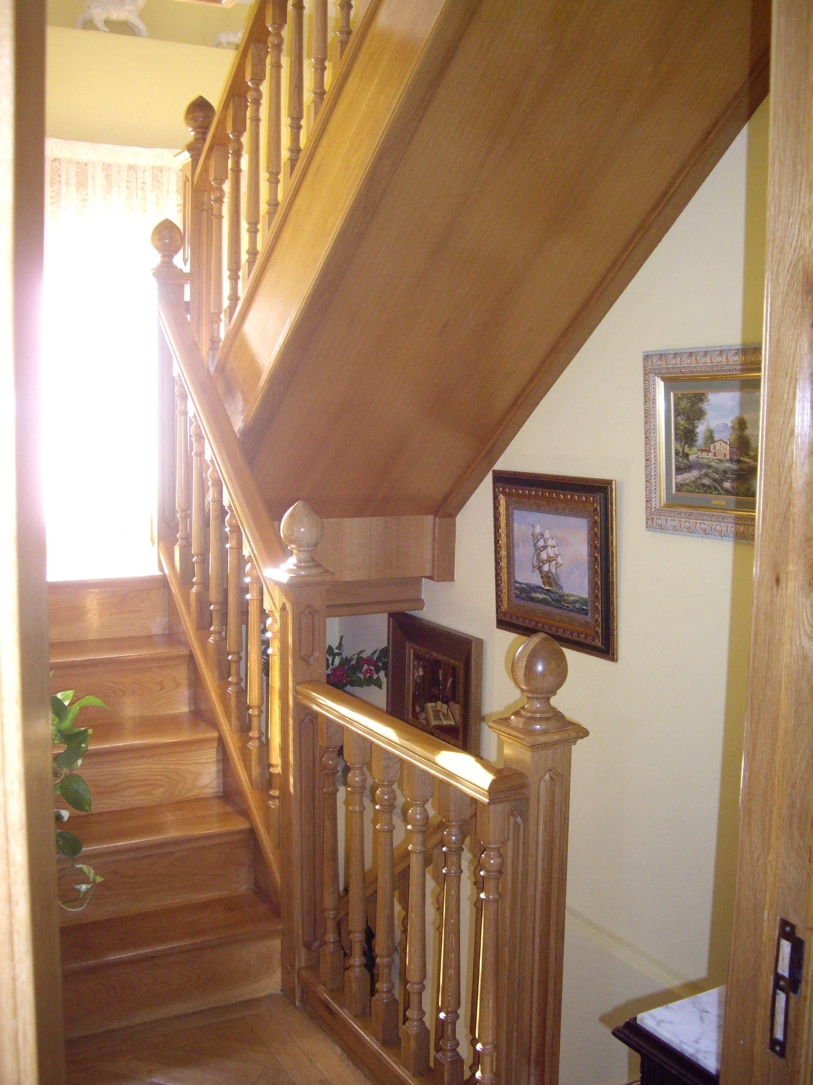 Balaustres de madera para escaleras postes de madera por - Baranda de madera ...