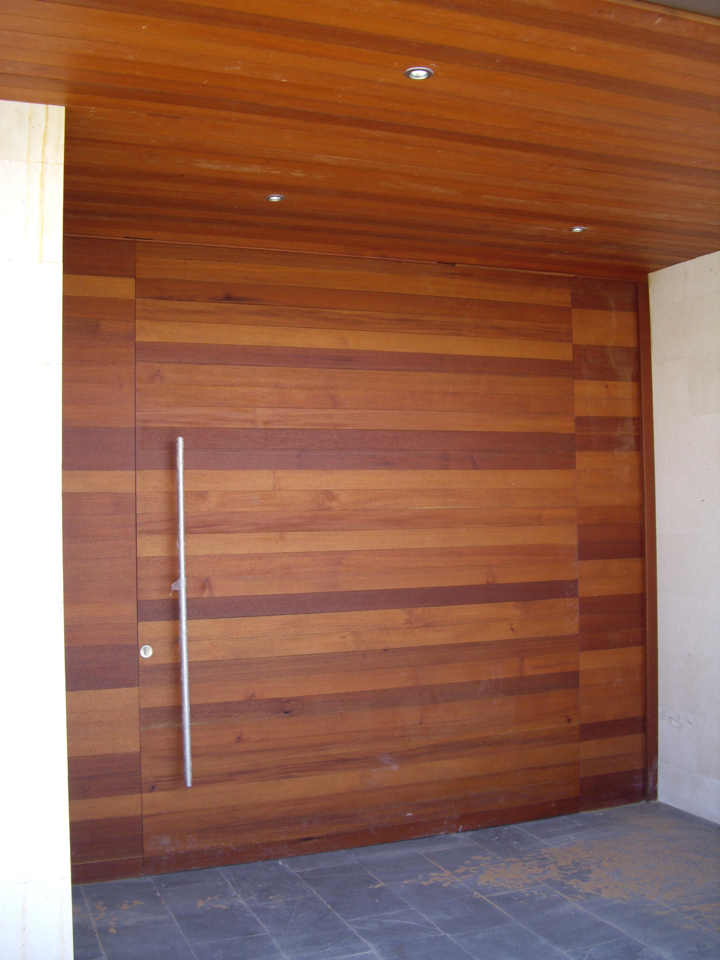 Puertas de entrada de madera rusticas puerta mod pm for Puertas de entrada de madera maciza